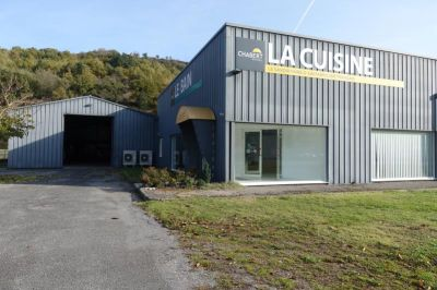 DECAZEVILLE - A VENDRE Local de 580 m²